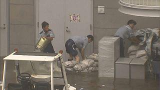 Japon : l'aéroport du Kansai inondé