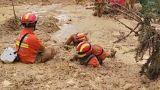 شاهد: آلاف المنقذين الصينيين يواصلون البحث عن مفقودين بسبب الفيضانات