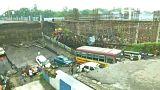 شاهد: انهيار جسر وسقوط 12 مركبة عنه في الهند