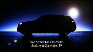 شاهد: مرسيدس تتحدى هيمنة تسلا بسيارتها الكهربائية (SUV) الجديدة