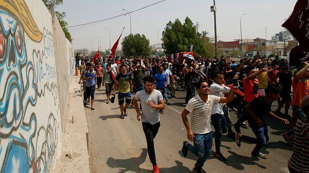 ثظاهرات در شهر بصره عراق و کشته شدن معترضان