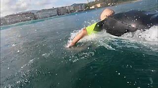 """""""Gallo"""", il professore surfista non vedente che insegna sulle onde"""