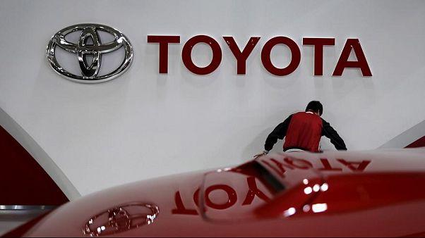 تويوتا تعتزم سحب أكثر من مليون من سياراتها حول العالم تجنباً للحرائق