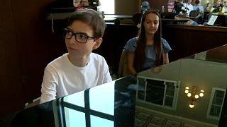 15 éves zongoraművész a Budapest Arénában