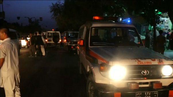 Le ambulanze sul luogo dell'attentato