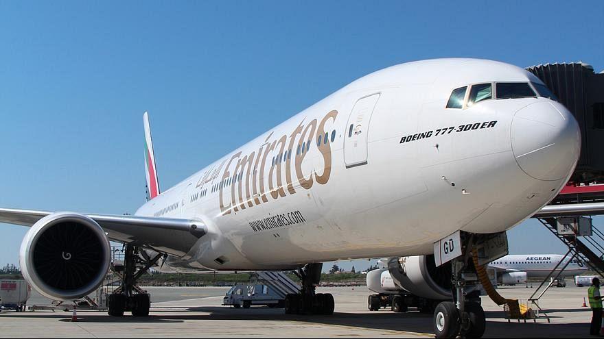 الإمارات  تدرس إمكانية استئناف رحلاتها الجوية إلى دمشق