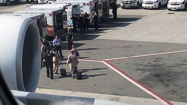 Dubai-New York seferinde hastalık paniği: Uçak karantinada