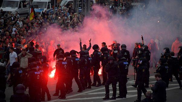 """Kretschmer: """"Es gab keinen Mob, keine Hetzjagden"""" - 10 Tweets zu Chemnitz"""
