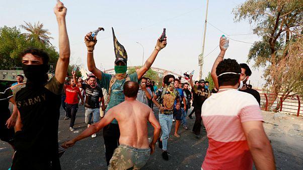 ادامه ناآرامی ها در شهر بصره دهها کشته و مجروح برجای گذاشت