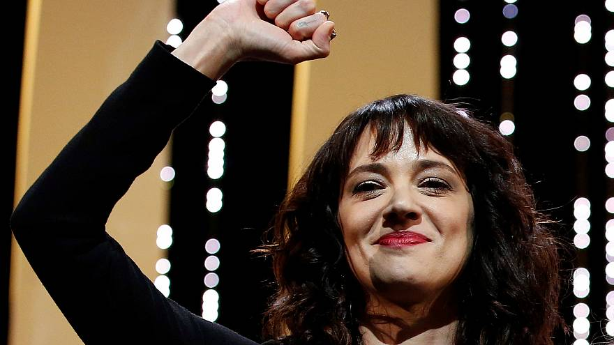 Asia Argento acusa Jimmy Bennet de abuso sexual e extorsão