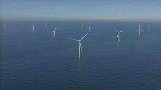 A világ legnagyobb tengeri szélerőműparkja