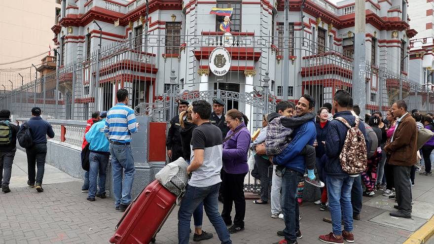 Decenas de venezolanos regresan a casa con el 'puente aéreo' de Maduro