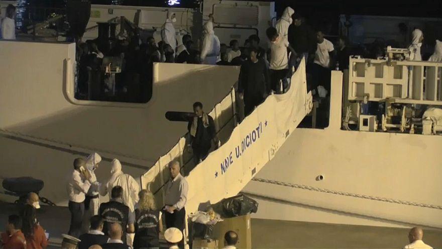 Diciotti: 50 migranti si sono allontanati