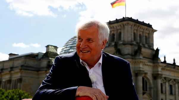 "#Seehofer und ""die Mutter aller Probleme"" in  Tweets"