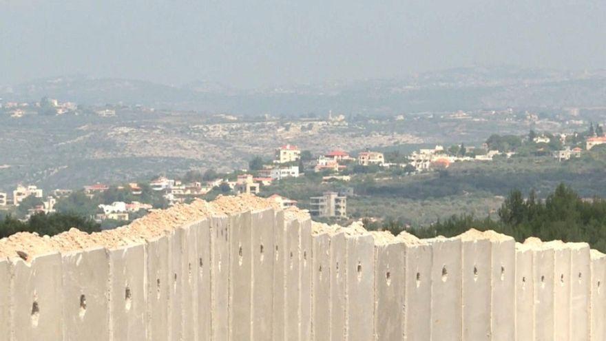 إسرائيل تبني جدارا إسمنتيا جديدا على الحدود مع لبنان للاحتماء من هجمات محتملة لحزب الله