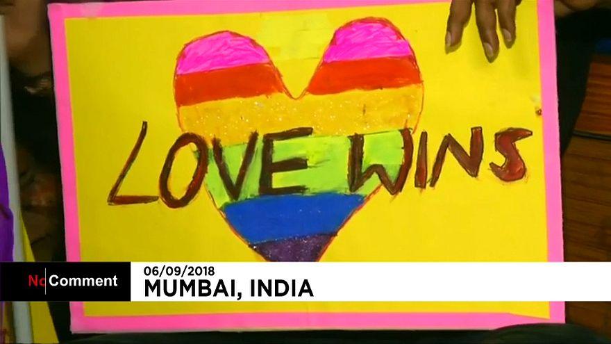 موسيقى وفرحة ورقص في الهند بعد إلغاء قانون تجريم المثلية