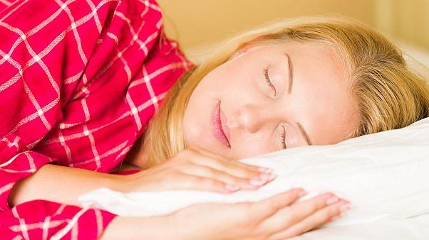 چند ساعت خواب برای سلامت لازم است؟