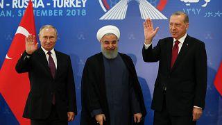 Irão, Rússia e Turquia: Há entendimento, mas sem cessar-fogo à vista para a Síria