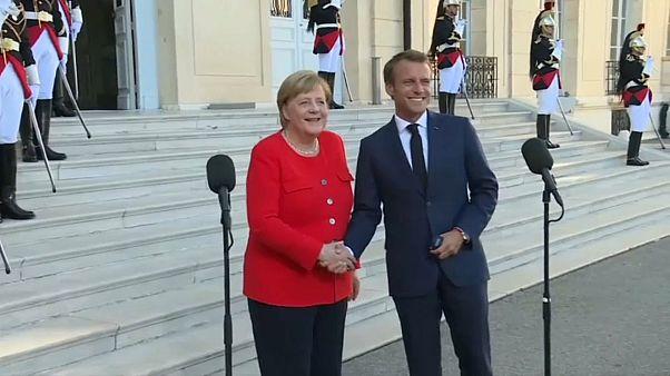 Macron e Merkel destacam as migrações no debate europeu