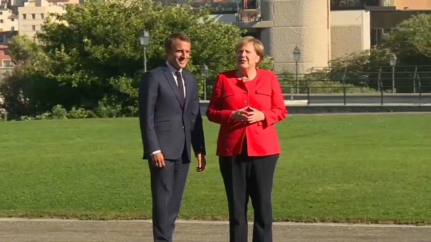 Macron y Merkel quieren más unidad frente al populismo