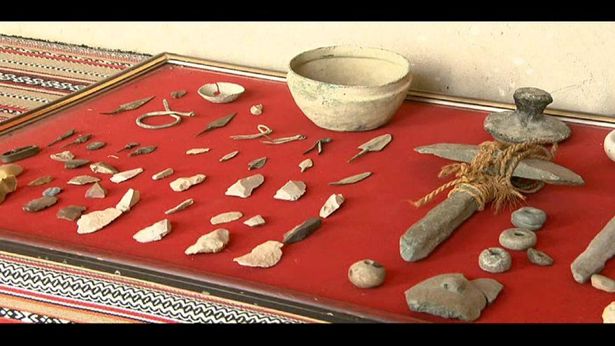 شاهد: متحف نزوى في سلطنة عمان يحوي مقتنيات عمرها 7000 عام