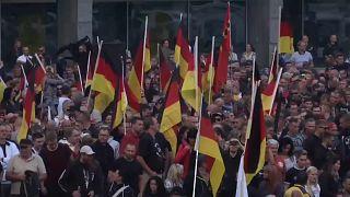 """Sul """"ring"""" di Chemnitz non cessano le proteste neonazi"""
