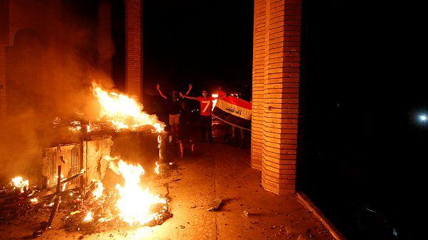 حمله به کنسولگری ایران در بصره؛ حیدر عبادی دستور تحقیق داد