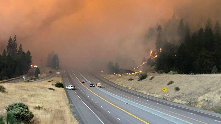 Video - Kaliforniya'da 3 gündür süren yangınlar yerleşim birimlerini tehdit ediyor