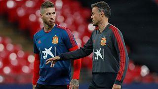 Football : la nouvelle Espagne passe un test en Angleterre