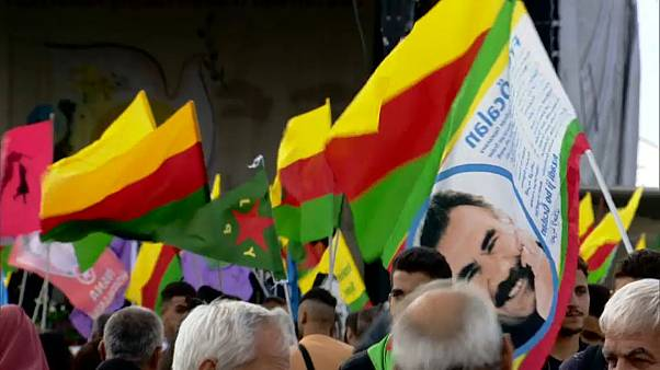 آلاف الأكراد يخرجون في ألمانيا مطالبين بالإفراج عن زعيمهم أوجلان