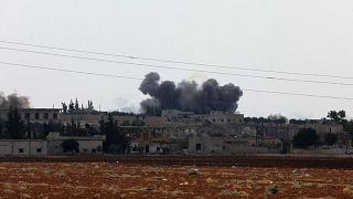 """Siria: Idlib sotto le bombe, Assad mira alla riconquista """"a fasi"""""""