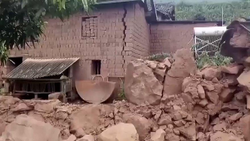 China: Erdbeben in Yunnan