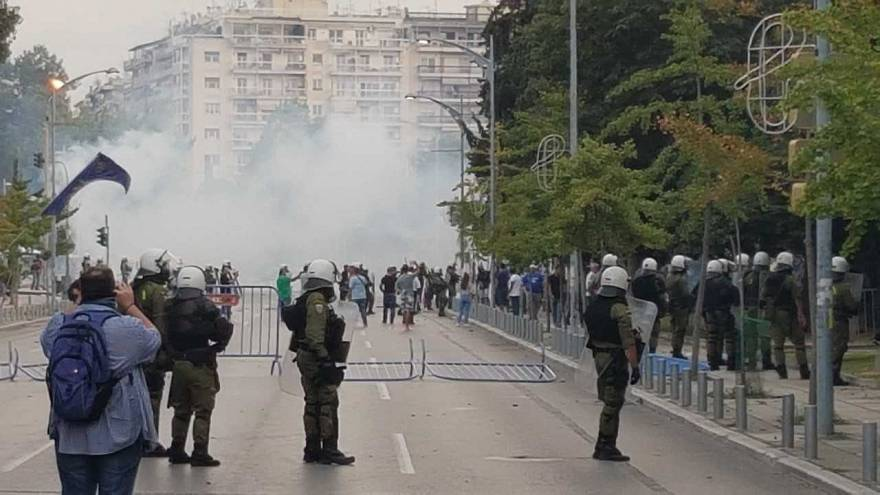 Greek police fire tear gas at demonstrators in Thessaloniki