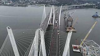 حاكم نيويورك يدشن جسر نهر هدسون الجديد وينتقد ترامب