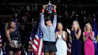 أوساكا تقهر غضب ودموع سيرينا ويليامز لتفوز ببطولة أمريكا المفتوحة للتنس