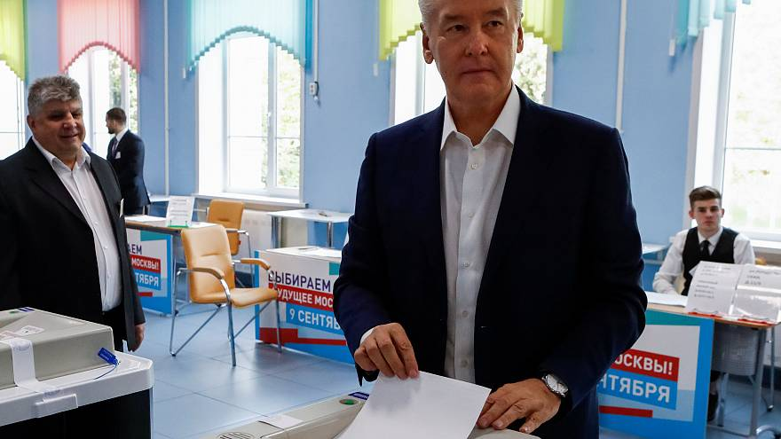 Moscow's Mayor Sergei Sobyanin casts his ballot in Moscow today