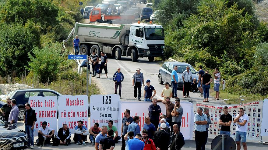 Kosovo war veterans block the road ahead of Serbian President