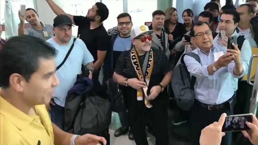 Video - Maradona yeni teknik direktörlük görevi için Meksika'da