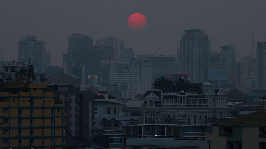 Szmogfelhő Bangkok fölött