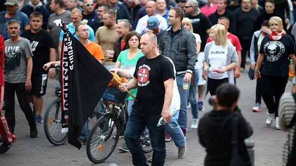 L'estrema destra in piazza dopo la morte del giovane, aggredito a Köthen