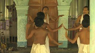 موسیقی، رقص و نمایش در مراسم رهروان آیین ویشنوپرستی