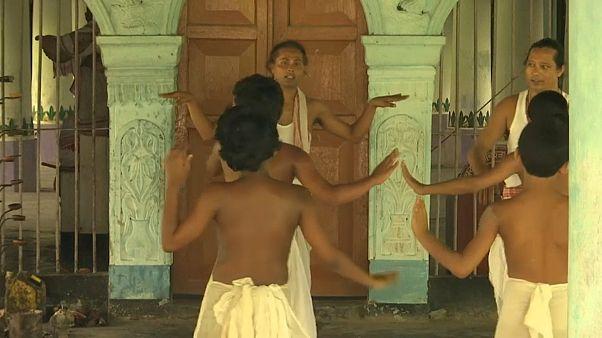 Mosteiro indiano de Kamalabari preserva tradições centenárias