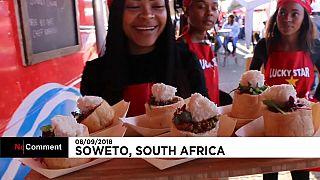 Soweto celebra su típica merienda callejera