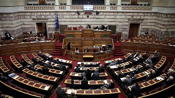 Βουλή: Πέρασε από την Επιτροπή το νέο φορολογικό