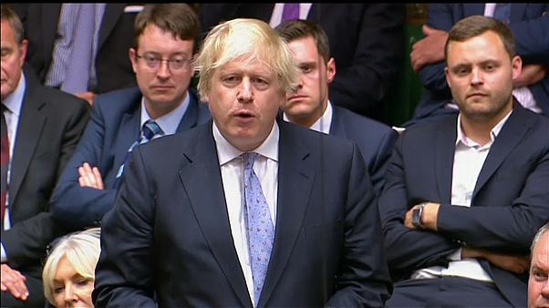 Boris compara plano de May a 'colete suicida""