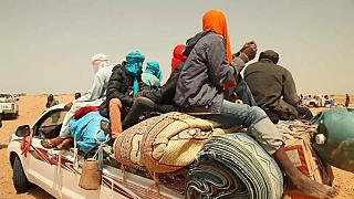 Convoyes cargados de migrantes atraviesan Níger hasta Libia