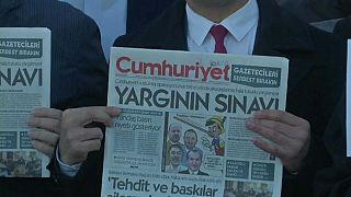 İnsel'den Cumhuriyet yorumu: AKP'ye karşı gibi gözükenler de aynı otoriter tavrı paylaşıyor