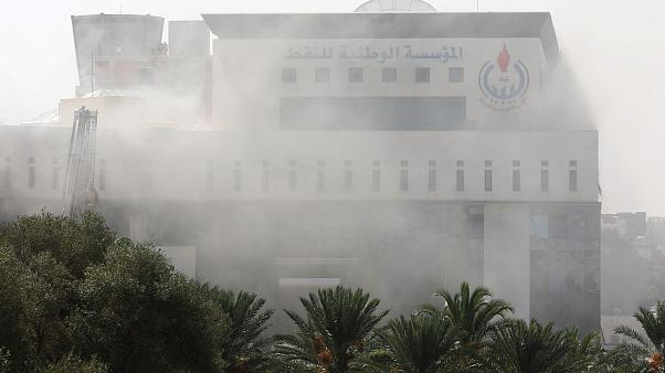 شلیک راکت به فرودگاه طرابلس؛ داعش حمله به شرکت نفت لیبی را پذیرفت