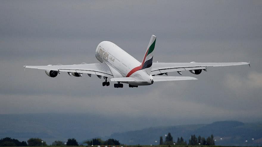 طائرة تابعة للخطوط الإماراتية