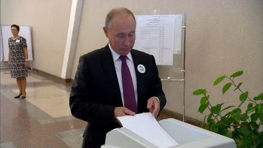 Voting machine rejects Putin's ballot